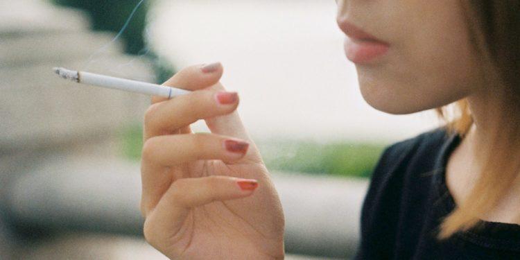 svenska kvinnor rökning